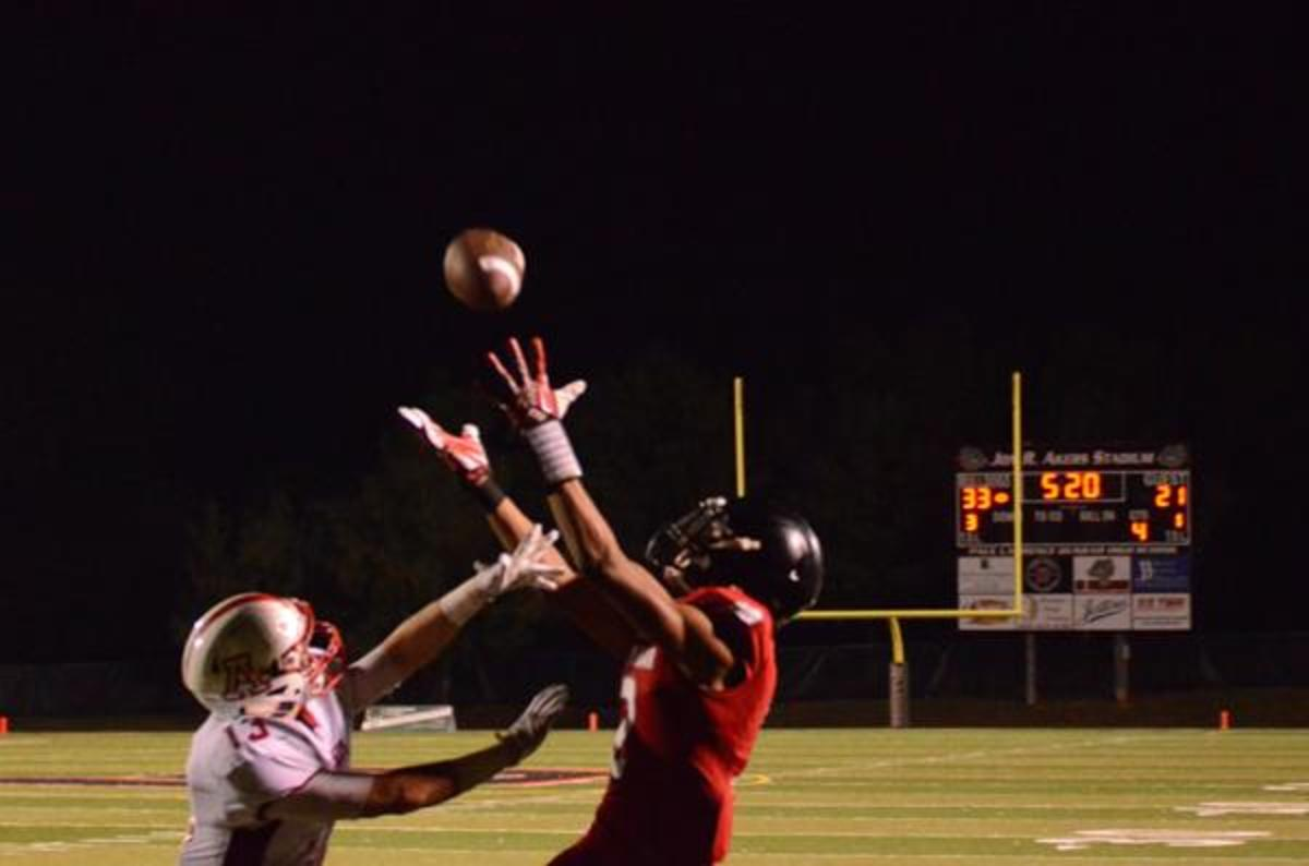 Dogs Pound Anderson County On Homecoming Night