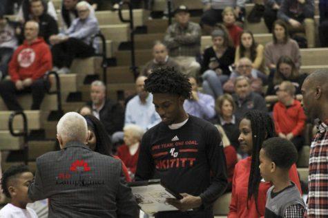 Hollingsworth Breaks Lexington Boys' Basketball Scoring Record
