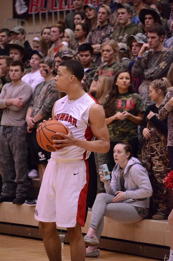 Darius Williams looks for someone to throw the ball inbounds to.