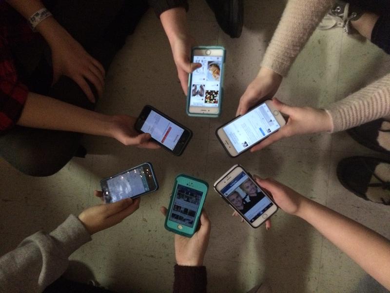 Social+media+has+taken+over+high+school.
