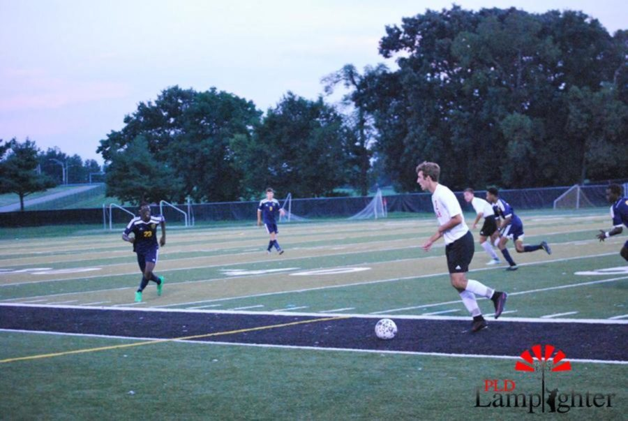 #6 Harrison Grabmeyer Protects the ball