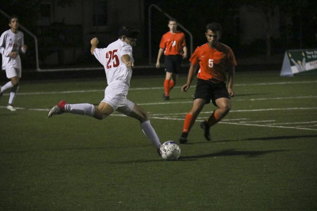 Bulldogs Victorius at Boys' Soccer Regionals, 4-0