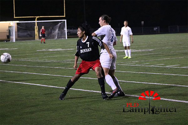 #7 Eddy Andrade fights for the ball.