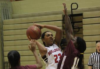 Girls' Basketball Defeats Tates Creek