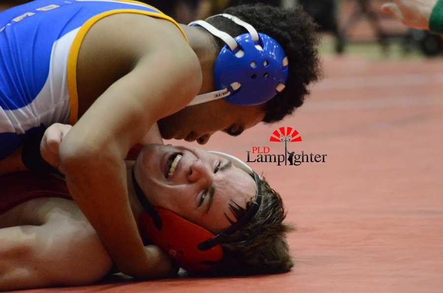 Henry Clay wrestler has the advantage over Sophomore Alan Friend