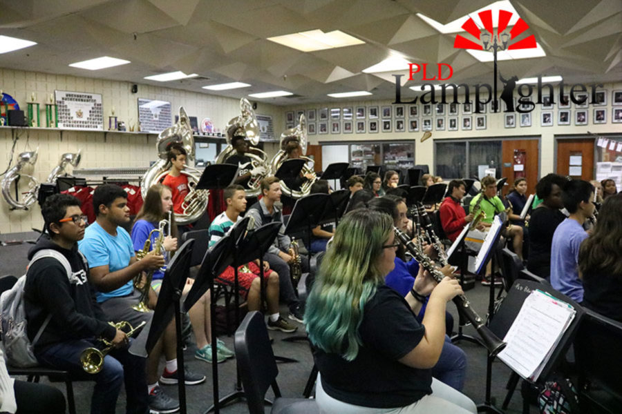 The clarinets, trumpets, and tubas.