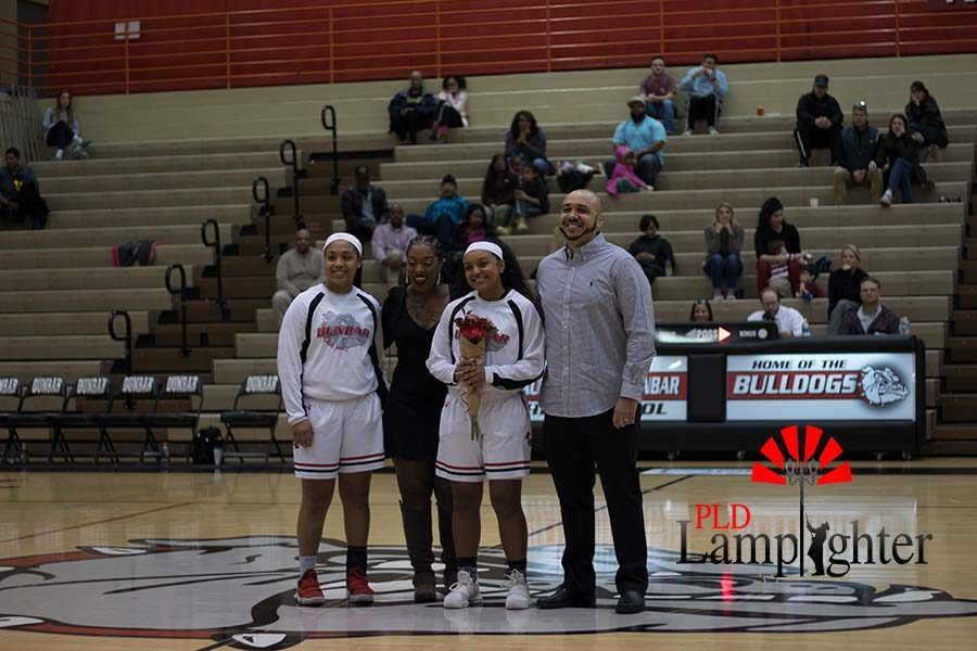 Senior Mashayla Cecil and family.
