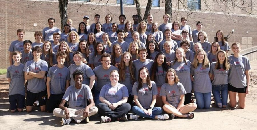 The 2018-2019 PLD Lamplighter staff picture.