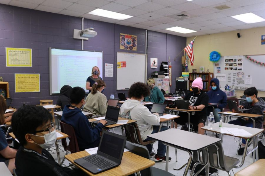Frau Gabbard said that she catches students on Chromebook games during class time in German.